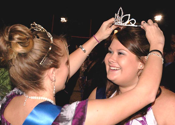 LOUISBURG HIGH SCHOOL 2009 HOMECOMING QUEEN