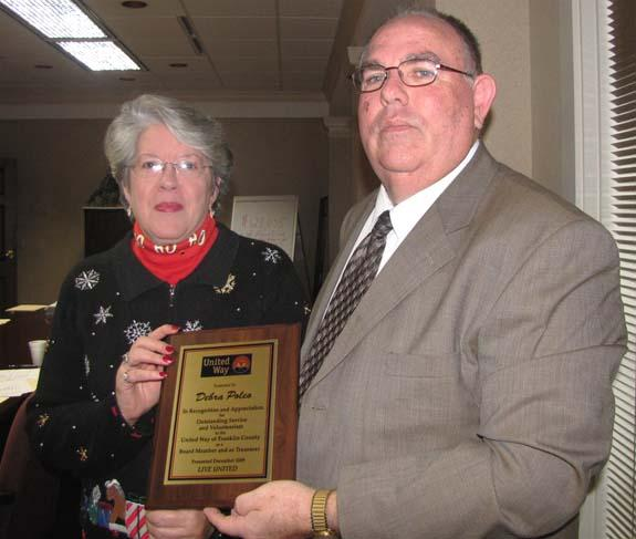 United Way honors Debra Poleo for service, re-elects Dale Byrns chairman
