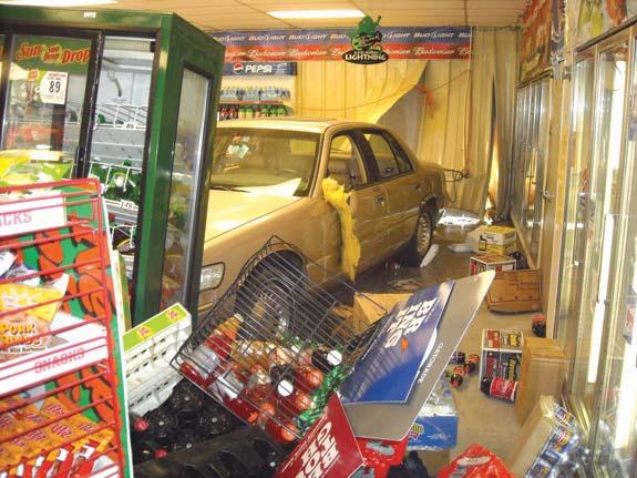 Car crashes into Star Mart