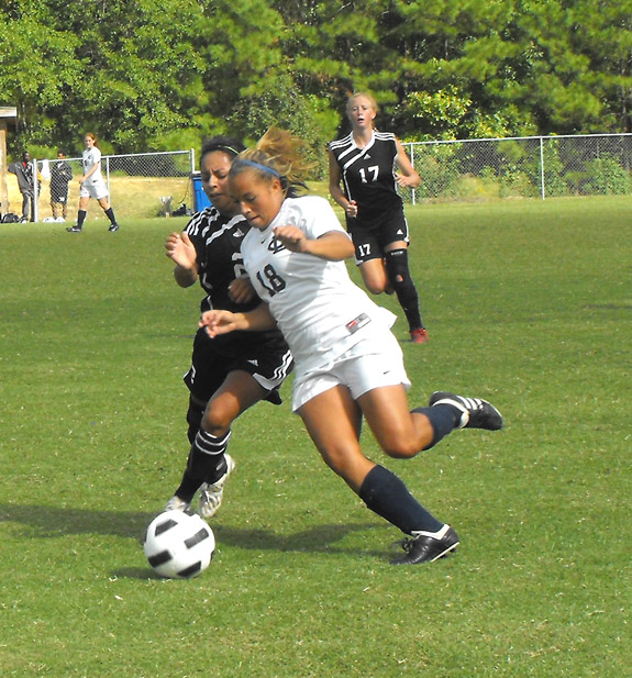 Lady Hurricanes a winner over SMC