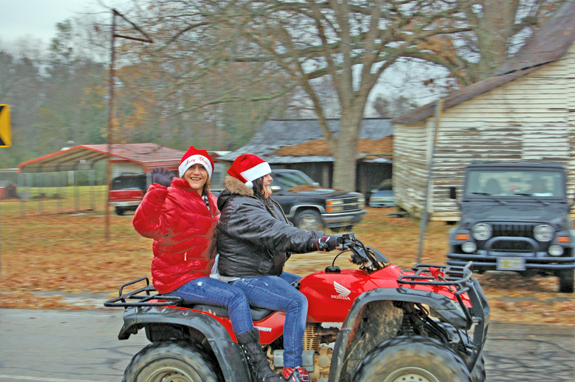 Weather doesn't dampen Christmas spirit in Alert