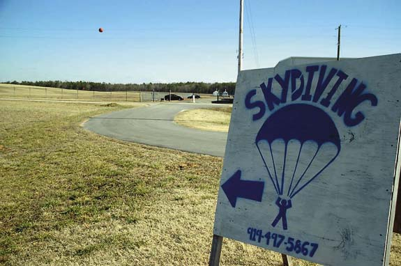 Skydiving observation deck to be built
