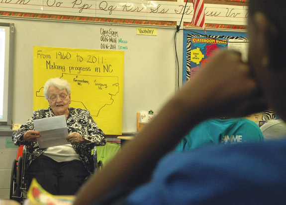 Retired teacher returns to classroom