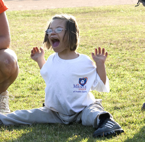 MIRACLE LEAGUE HOSTS YOUTH BASEBALL CLINIC, Pics 1