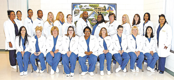 VGCC recognizes 21 Medical Assistant graduates at pinning