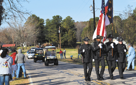Alert Parade helps bring holiday season to northern  Franklin County! pics 1