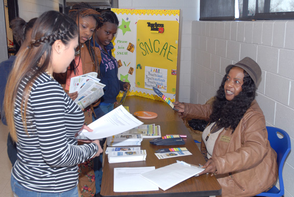 <i>VGCC recruits Early College High School students to club</i>