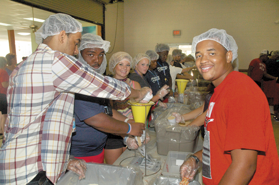 <i>Stopping hunger, a meal at a time</i>