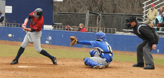 Hurricanes sweep Patriots on diamond