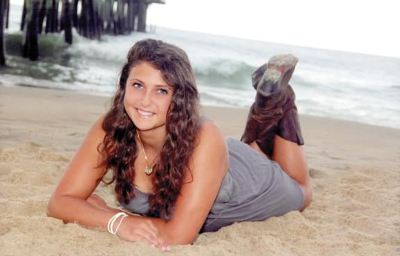 <i>Teen to compete in pageant</i>
