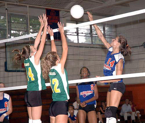 Bunn takes final three games to shock Louisburg