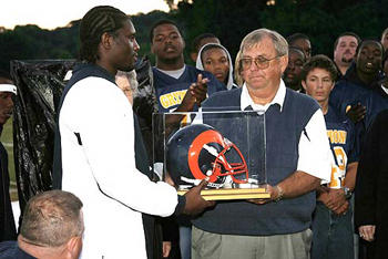 Ex-Rams coach is honored