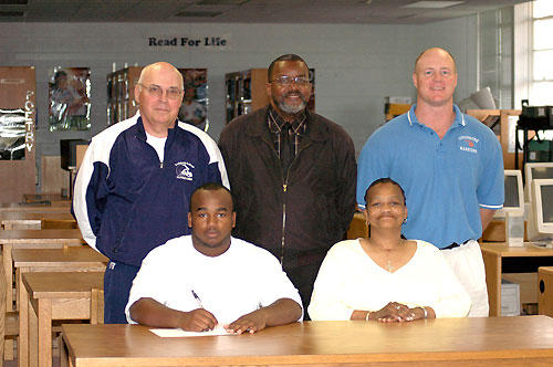 Gupton becomes a member of LC's grid team