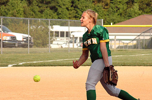 Driver�s no-hitter sparks BHS in state playoffs