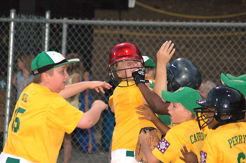 Oxford edges Bunn in extra-inning thriller to claim crown